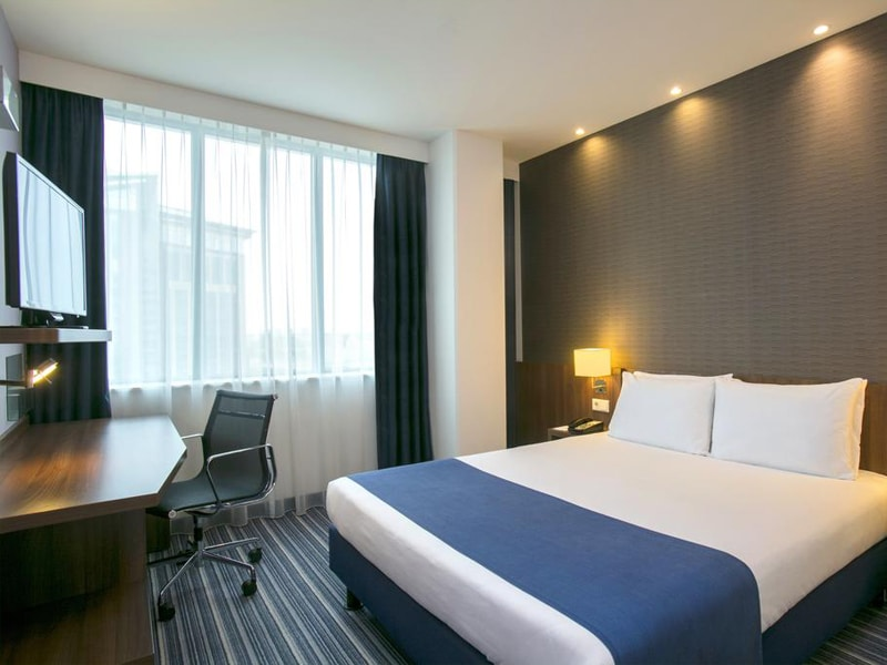 Room at the Holiday Inn Express Amsterdam - Schiphol hotel.
