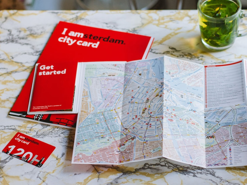 I amsterdam City Card and map.